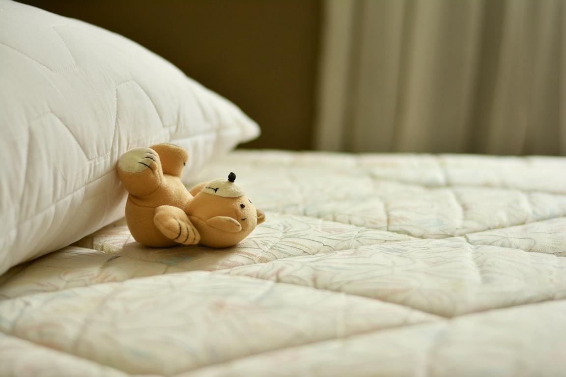Matratze mit Reinigungsbedarf